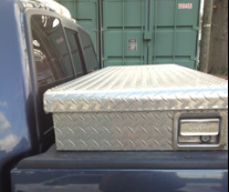 Truck bed box rear visibility