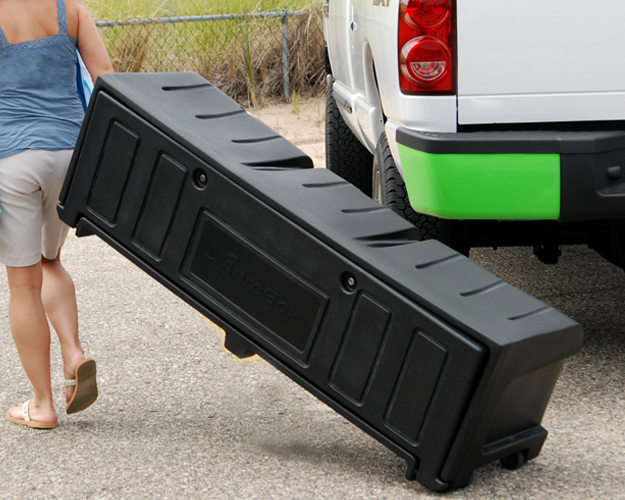 Portable pickup bed cargo box