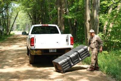 Portable truck bed box